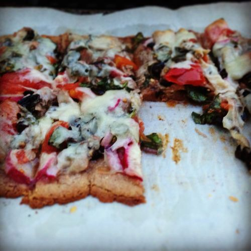 Ffwd: Fresh Tuna, Machengo and Basil Pizza, gluten free and on the grill