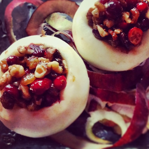 Ffwd: Baked apples with cranberries, raisins and walnuts