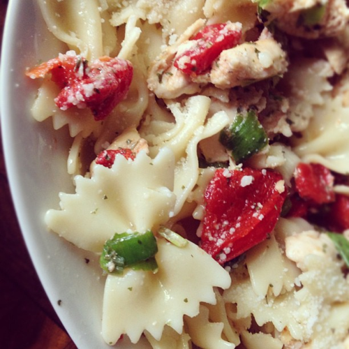 Bow tie/Farfalle pasta with grilled chicken